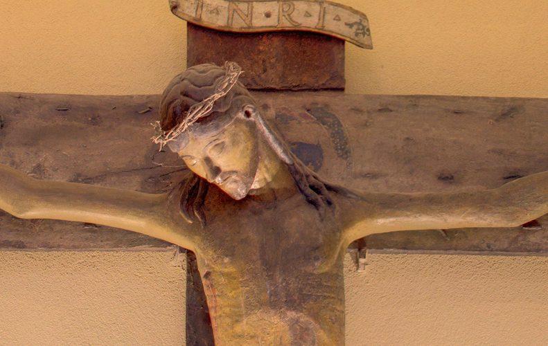Liturgie domestiche – alcuni suggerimenti per celebrare la Settimana Santa nelle case